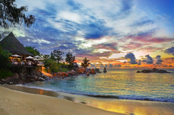 Top-Beautiful-Best-Beaches-In-The-World