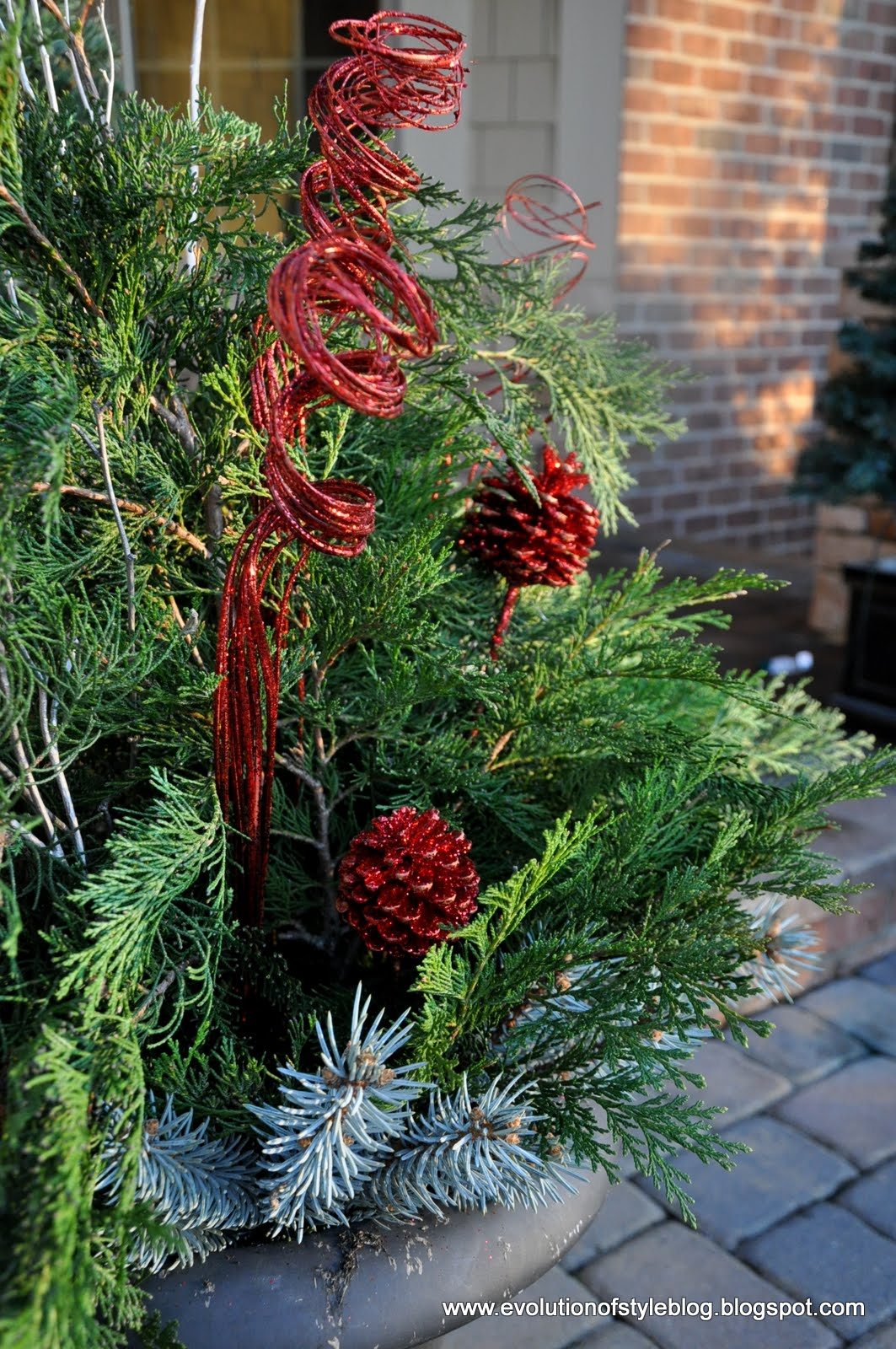 Easy Outdoor Holiday Decor Evolution Of Style