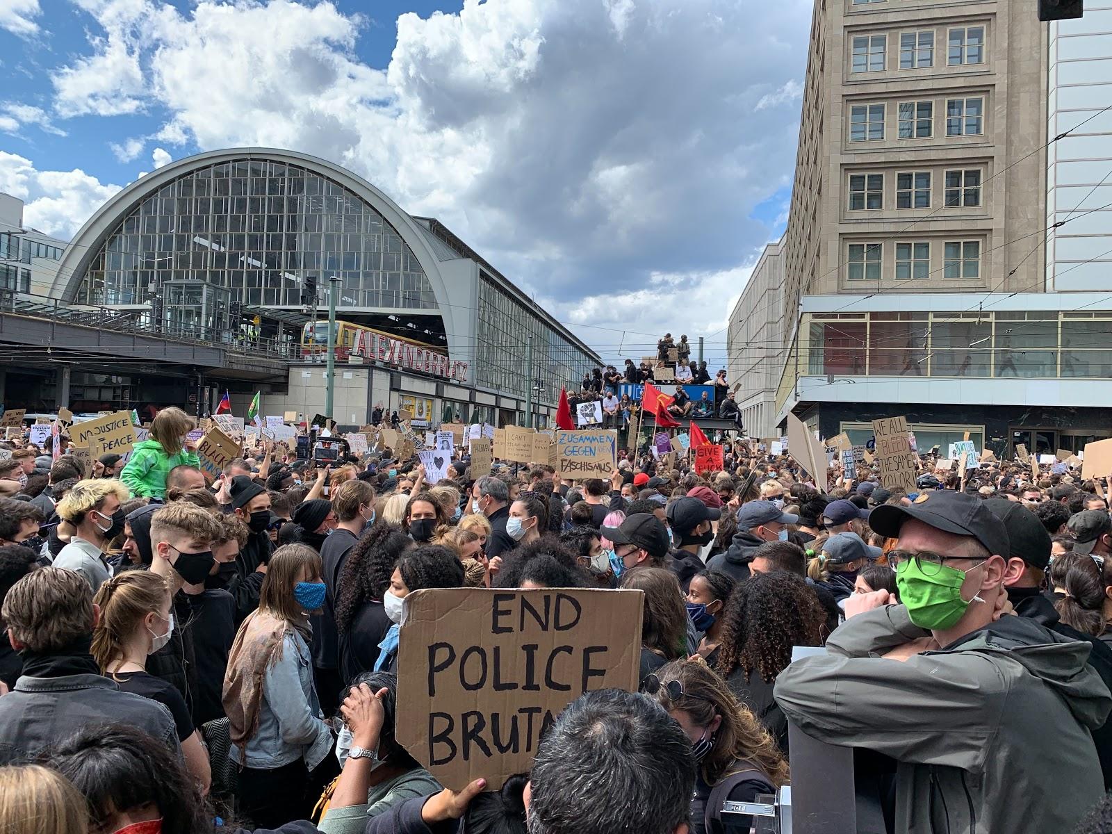 "PROTESTY ""BLACK LIVES MATTER"" W BERLINIE"