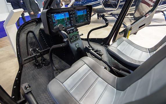 Bell 505 Jet Ranger X cockpit