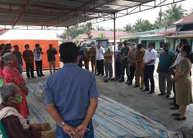 Pemberian Tali Asih, Personel Jajaran Kodim 0207/Simalungun Turut Dampingi Anggota DPRD Kab Simalungun