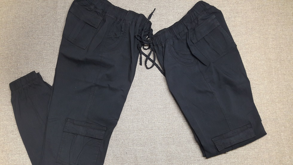 Pantalon de mujer Tipo Cargo en Color Negro semidoblado