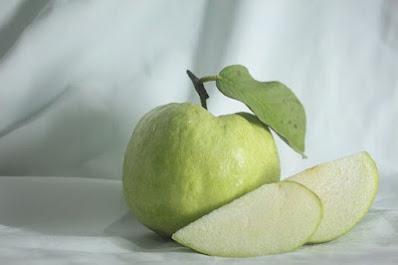 अमरुद खाने के 10 फायदे, Health Benefits Of Guava In Hindi