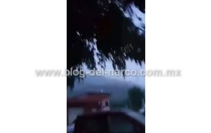 Videos: Rafagas y granadazos, Así vive la gente de Aquila Michoacán el enfrentamiento entre el CJNG y Carteles Unidos