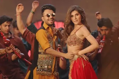 Naagin Jaisi Kamar Hila Song Out- Tony Kakkar