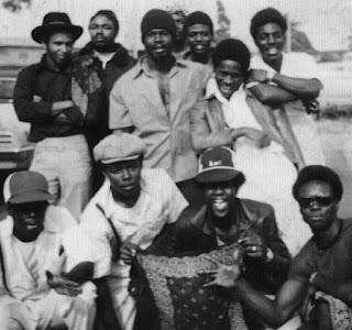 Pandilla de afroamericanos de Los Ángeles en los años 60