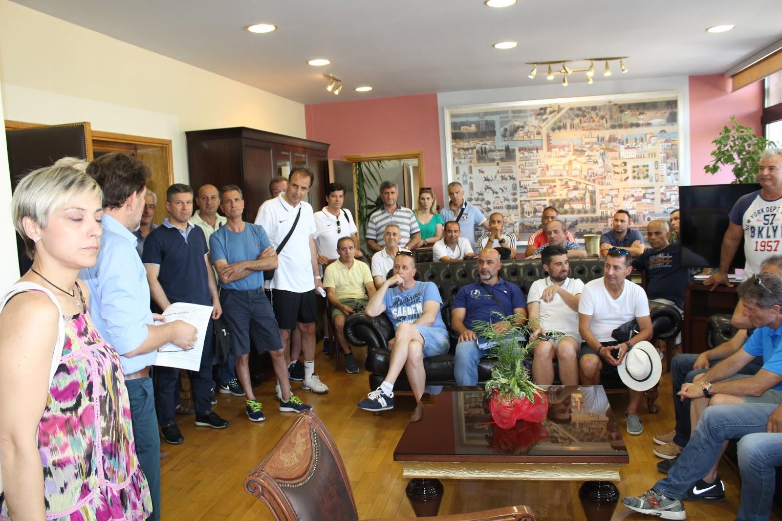 Στο Δημαρχείο οι υπεύθυνοι των ομάδων για το Πανελλήνιο Πρωτάθλημα Ποδοσφαίρου Εκπαιδευτικών Α/θμιας Εκπαίδεσης