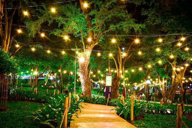 taman indonesia kaya malam hari