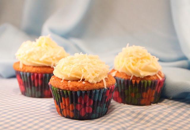 cupcakes-de-coco, coconut-cupcakes