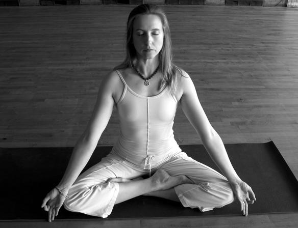 Swastikasana - Auspicious Posture - B.K.S. Iyengar Yoga