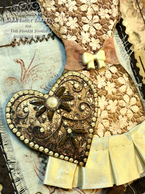 Sara Emily Barker https://sarascloset1.blogspot.com/2020/04/beauty-in-simplicity.html Sewing Themed Card Stamperia Old Lace Tim Holtz Stitches Tiny Text 5