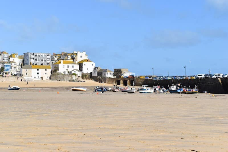 How to spend an evening in St Ives with kids  - harbour beach in summer