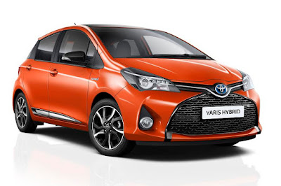 Toyota Yaris Hybrid Orange Edition (2016) Front Side