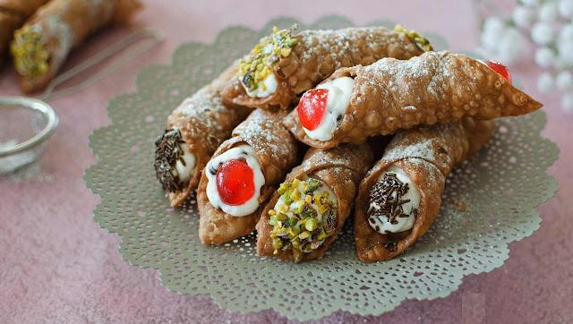 Cannoli Siciliana: Il dolce degli albanesi