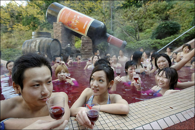10 Most Crazy And Weird Reataurants In The World