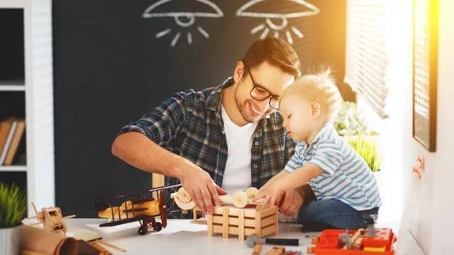 Cara Mendidik Anak Agar Menjadi Kreatif, Anda Harus Coba!