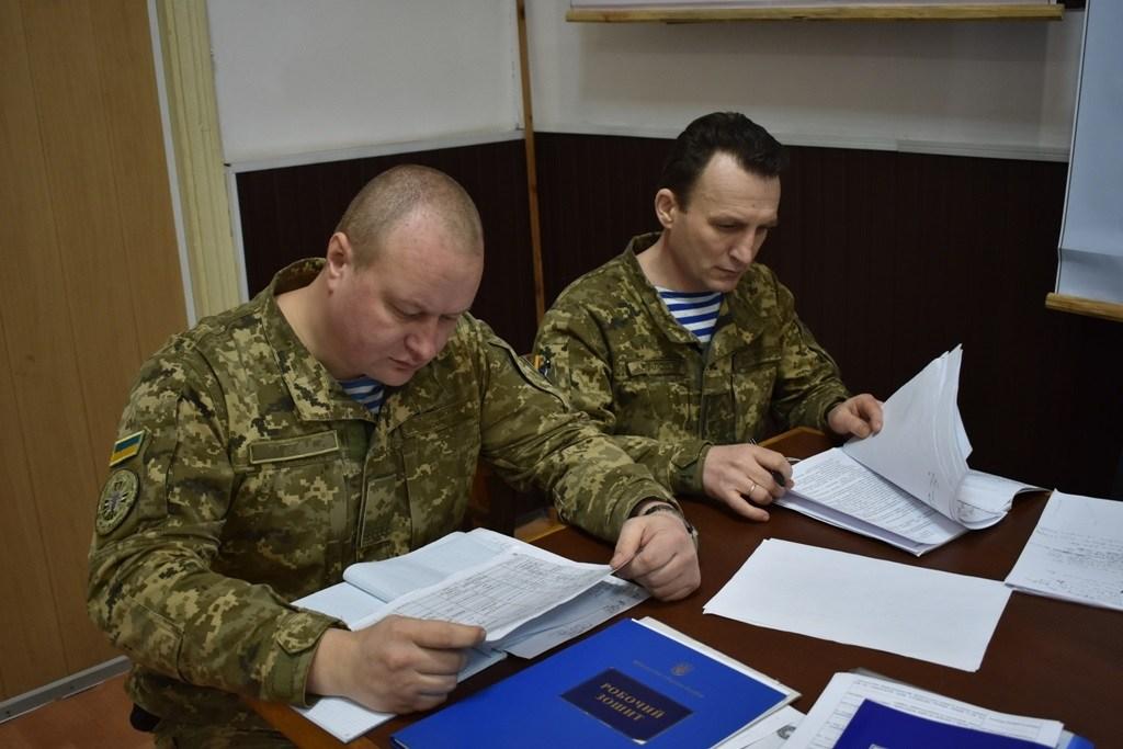 На одному з пунктів управління командування ВДВ проходить комплекс штабних тренувань