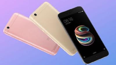 Spesifikasi Xiaomi Redmi 5A   Redmi 5A dirancang untuk memenuhi kebutuhan Sobat gadget. Dia memiliki bodi ringan, baterai tahan lama dan slot kartu microSD khusus. Layar HD 5 inci beserta kamera beresolusi tinggi 13 MP memungkinkan Sobat gadget menangkap dan menghidupkan kembali momen tak terlupakan hidup. MIUI 9 didukung oleh prosesor Qualcomm Snapdragon 425 memastikan Redmi 5A mudah menangani tugas sehari-hari seperti pemutaran video, sesi permainan, dan banyak lagi. Redmi 5A cepat dan mulus.    Dengan mengusung jargon Redmi 5A The smartphone for everyone, sepertinya pihak pembuat ingin menjangkau semua orang, baik dari kalangan orang berkantung tebal maupun berkantung tipis, namun tetap memperhatikan kebutuhan dasar mereka (user), seperti kebutuhan tampilan, kamera yang luar biasa, baterai berumur panjang, dan slot kartu sim yang lebih dari satu.    Kapasitas baterai Redmi 5A sebesar 3000mAh ditambah dengan optimasi tingkat kekuatan sistem MIUI memberikan penggunaan daya yang sangat efisien yang menawarkan pemutaran video hingga 7 jam dan game 6 jam. Mereka juga mengklaim bahwa di waktu siaga, HP ini mampu bertahan selama 8 hari.       Kelebihan   Meskipun masih mengunakan bahan plastik, tapi desain masih terlihat sangat menarik. Jaringan 4G LTE yang dapat memberikan kelancaran saat digunakan untuk sosial media. Ukuran layar ideal 5.0 inci IPS LCD resolusi 720 x 1280 pixels nyaman saat dioperasikan satu tangan.