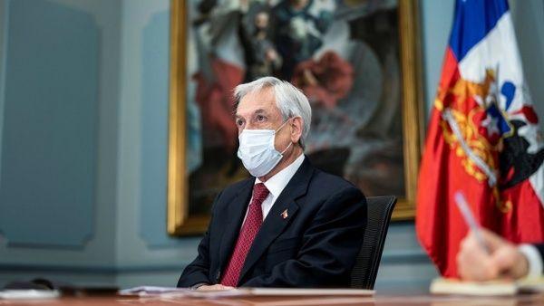 Piñera promulga reforma constitucional de las AFP en Chile