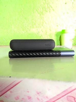 review uneed compactbox 10 dengan xiaomi powerbank