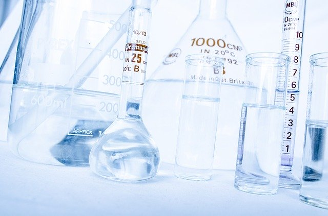 Chemistry bottles to demonstrate experiments with KPI's