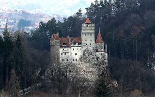 istana vlad Dracula - catatanadi.com