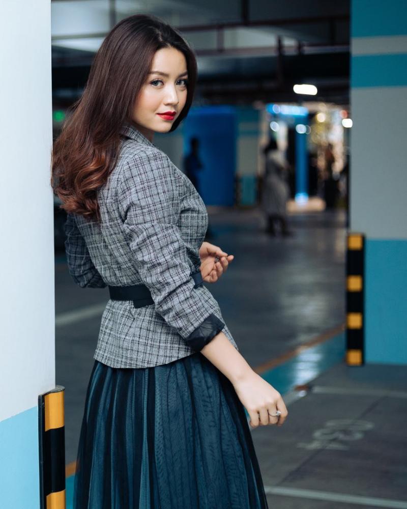 Model cantik dan seksi Dari Vietnam Khin Wint Wah