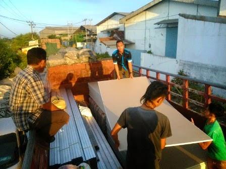 Ekspedisi Surabaya - Sintang