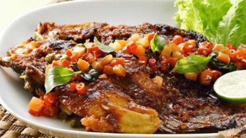 Besok Masak Ikan Gurame Bakar Bumbu Kacang, menu istimewa untuk keluarga tercinta