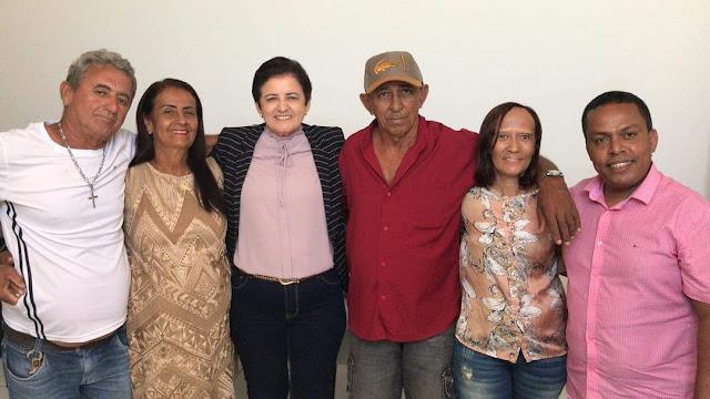 Prefeita Maristela Sena Dias concede mais três portarias de aposentadorias para servidores