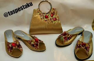 Slop dan Tas Pesta Gold Semu Coklat Cantik Merah Maroon