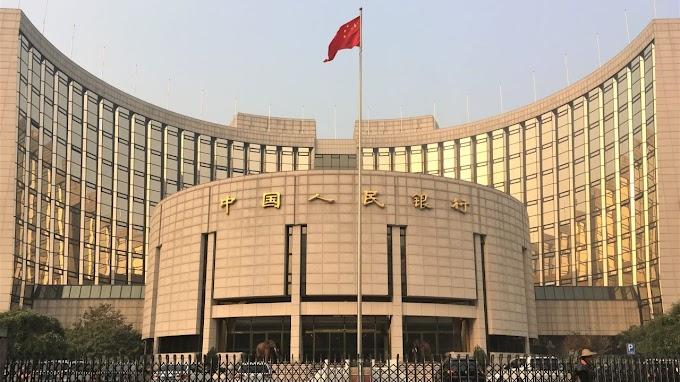 China eleva el punto medio del yuan al nivel más fuerte en 7 meses