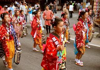 Kemeriahan Festival Hina-Matsuri Jepang
