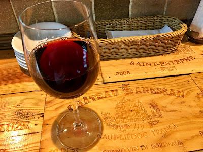 三軒茶屋にあるRIKI A(リキエー)の赤ワイン