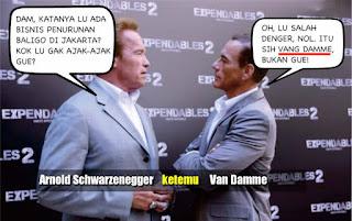 Arnold vs Van Damme, Soal Bisnis Penurunan Baliho