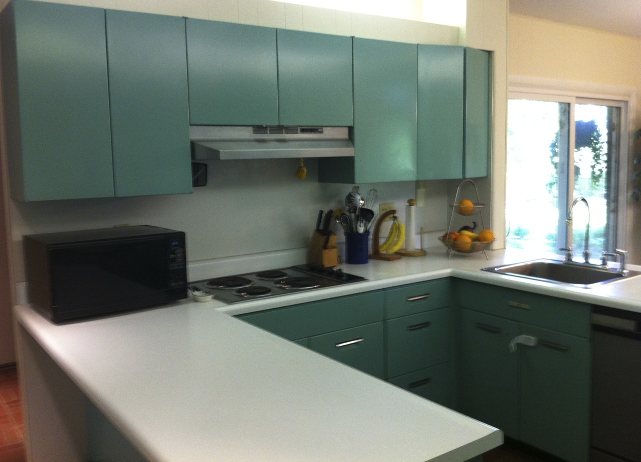 Deep Wall Ledge Above Kitchen Cabinets