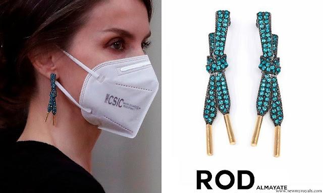 Queen Letizia wore ROD ALMAYATE errings lace capri blue pre order