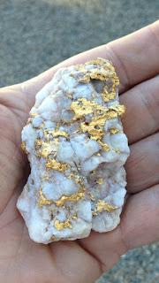 Técnicas para encontrar rochas com ouro