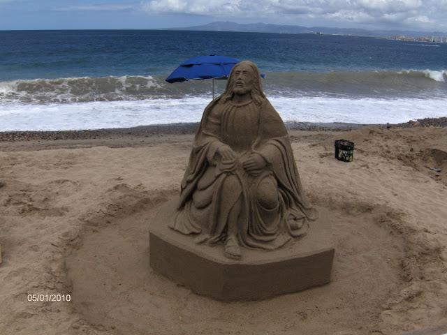 Những bức tượng Chúa được làm từ Cát tuyệt đẹp - Ảnh minh hoạ 7