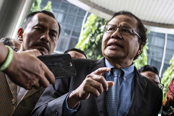 "Rezim Jokowi Semakin ""Pro China"", Rizal Ramli: Sengaja Ditutup Isu Islam Radikal-Radikul!"