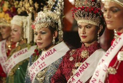 Ini Dia Ratu Waria Aceh