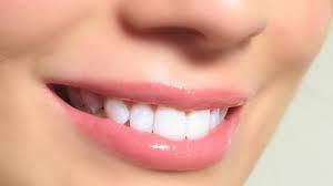 Cara memutihkan gigi dengan cepat & sehat