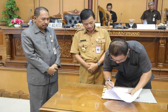 DPRD dan Pj. Walikota Tanjungpinang Setujui 11 Ranperda Pada Propemperda 2018