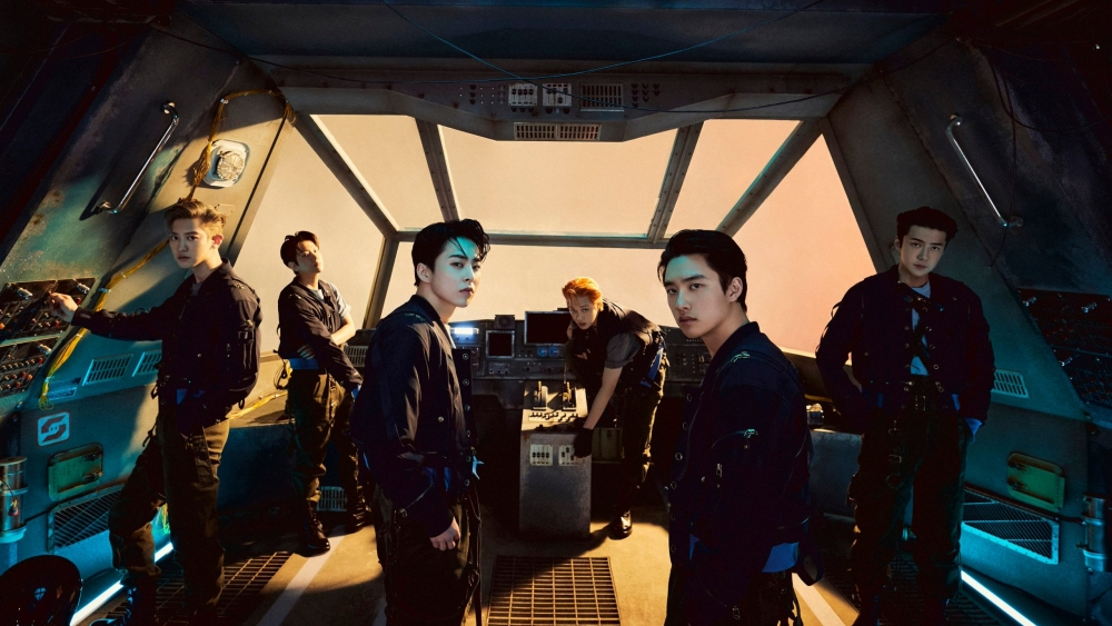 EXO's 'DON'T FIGHT THE FEELING' Sales Reach 1 Million Copies, Congratulations!