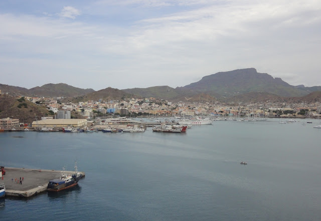 Blick auf Mindelo, Kapverdische Inseln