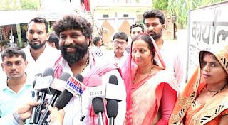 अभिनेता पप्पू यादव की पत्नी रेखा यादव ने मड़ियाहूं से ब्लॉक प्रमुख पद के लिए नामांकन पत्र दाखिल किया | #NayaSaberaNetwork