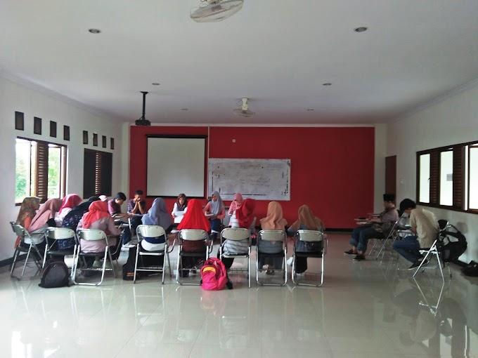 Mahasiswa PS Bahas Perkembangan Industri Syariah