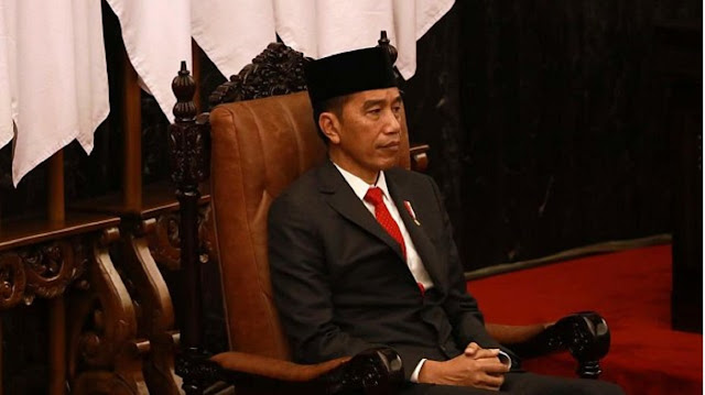 Sebaiknya Jokowi Mundur