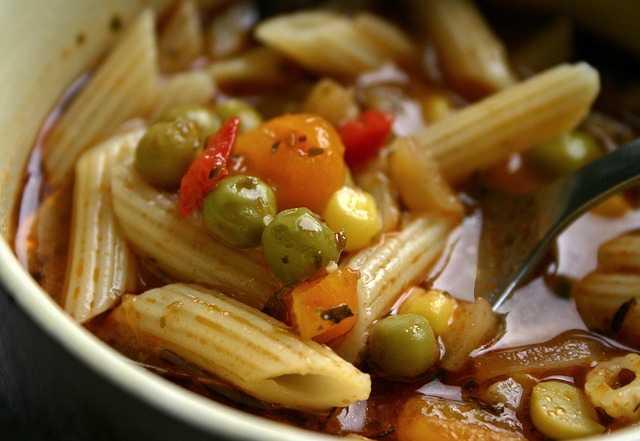 حساء مينستروني نباتي