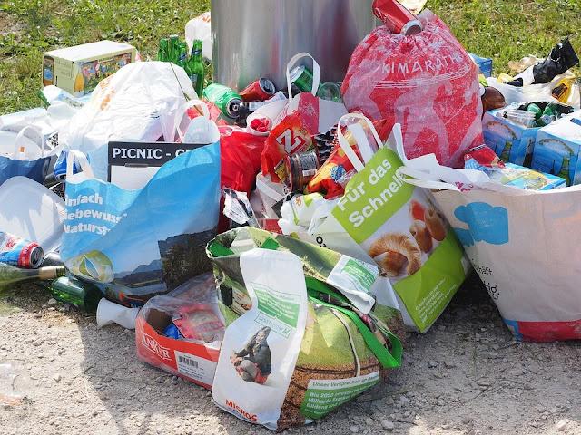 rifiuti-immondizia-inquinamento-degrado